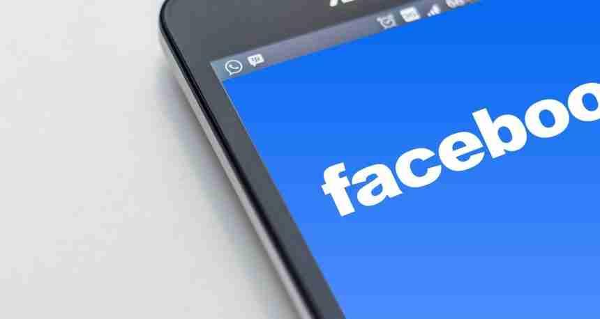 So teilen Sie Ihren Standort im Facebook Messenger