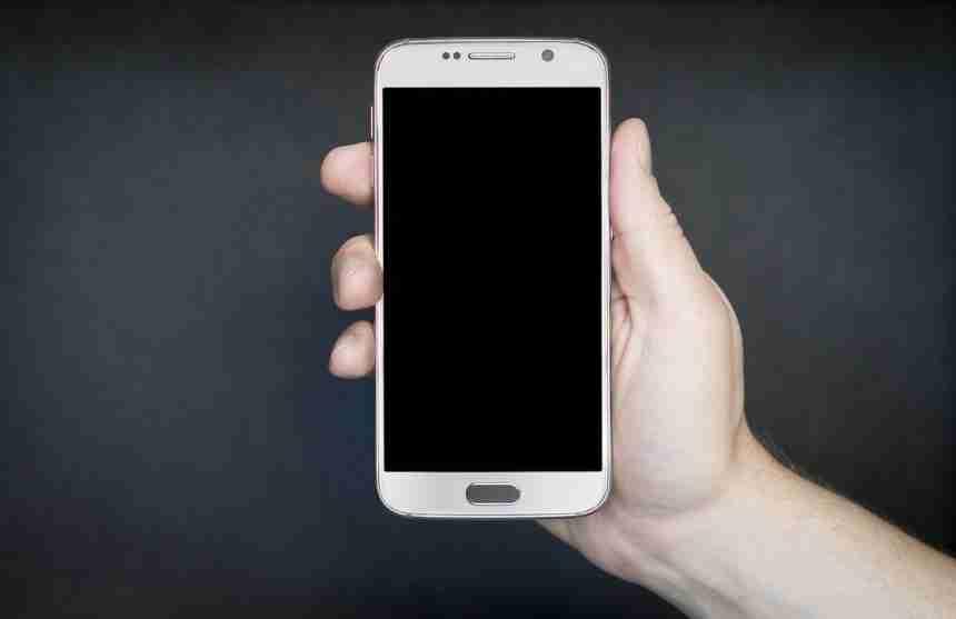 Besser ankommen mit dem Smartphone: Die besten Apps für Ihre Autofahrt