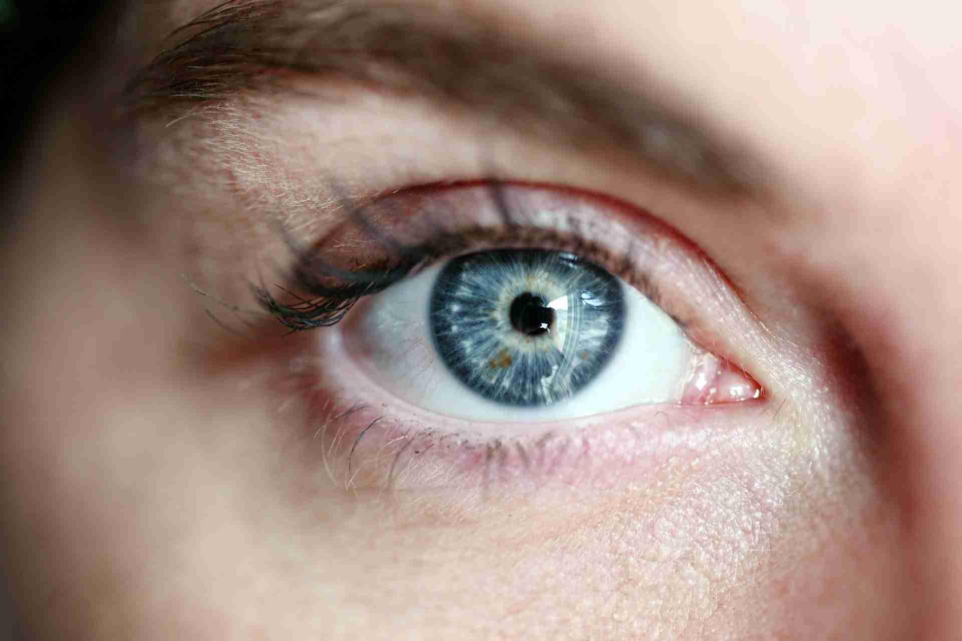 Desinfektion im Auge