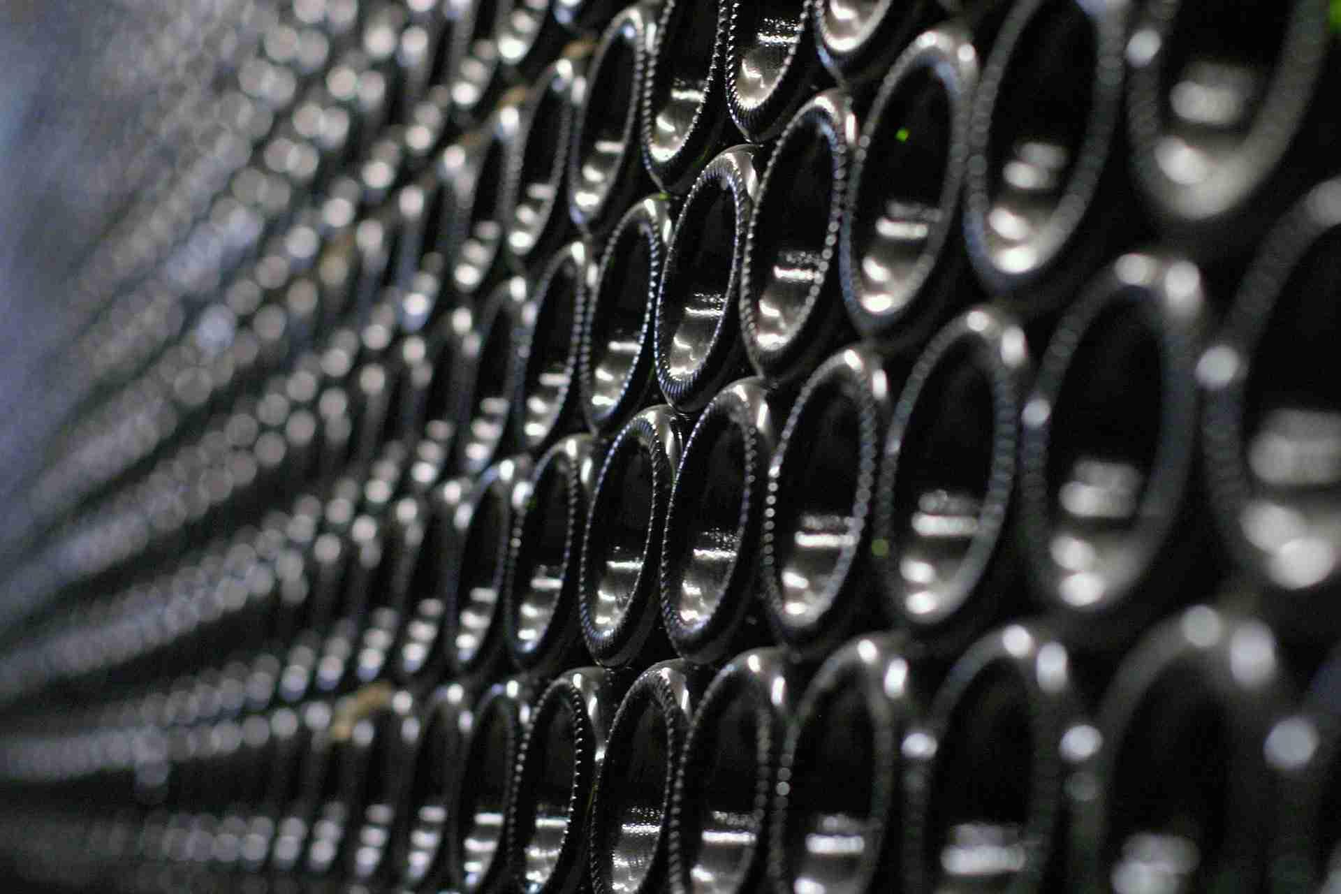 Weinflasche Boden gewölbt Grund