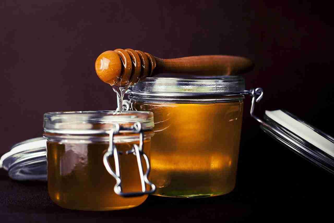 Honig flüssig machen