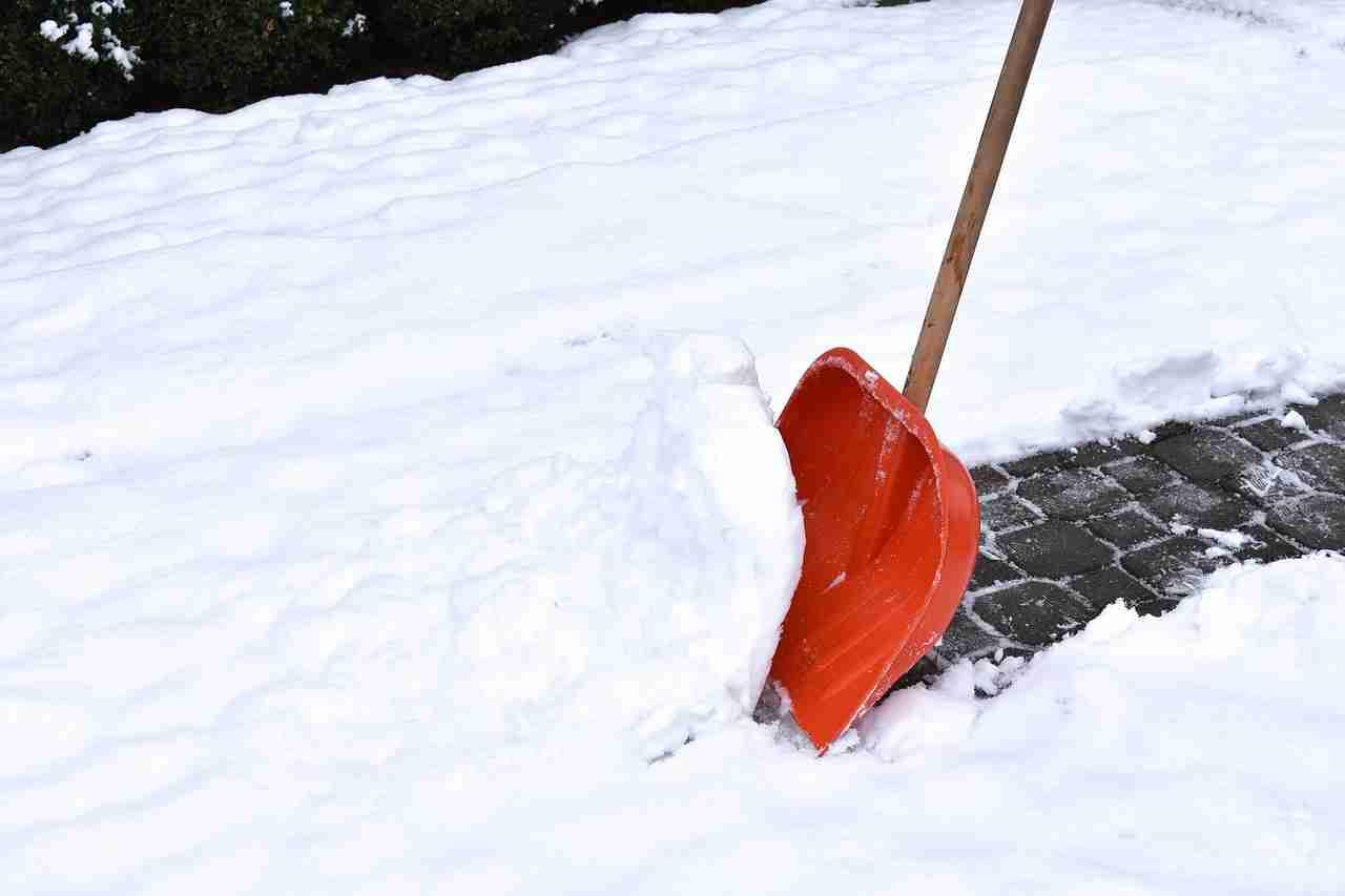Schneeräumen Uhrzeit
