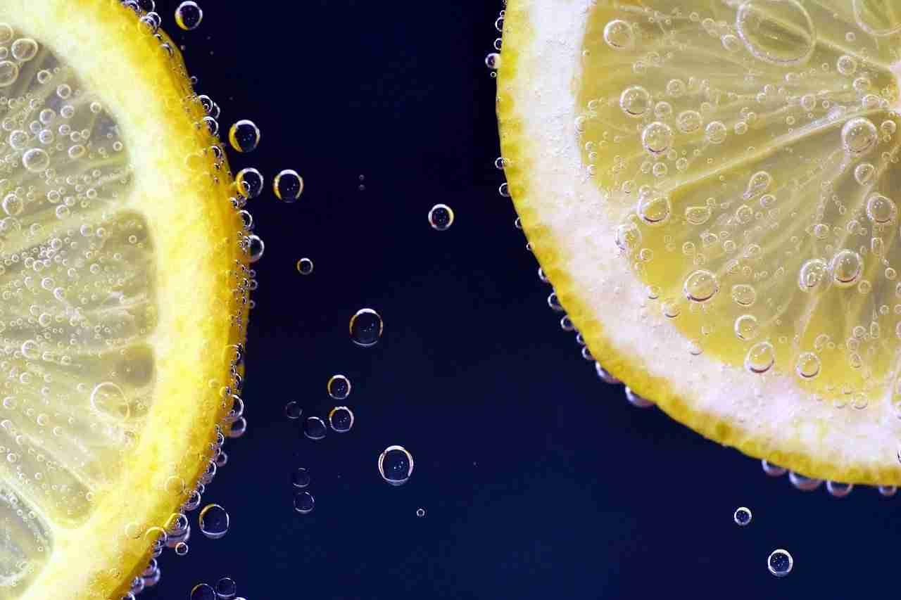 Zitronensaft gegen Pickel